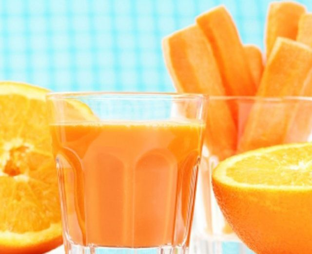 Suco de laranja e cenoura