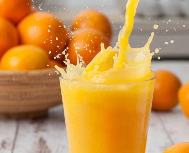Suco de laranja natural não engorda e faz bem à saúde, afirma estudo