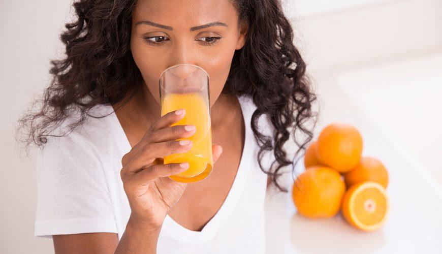 5 benefícios que farão você tomar suco de laranja todos os dias
