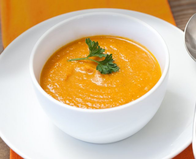 Sopa de Creme de Abóbora com Laranja Lima