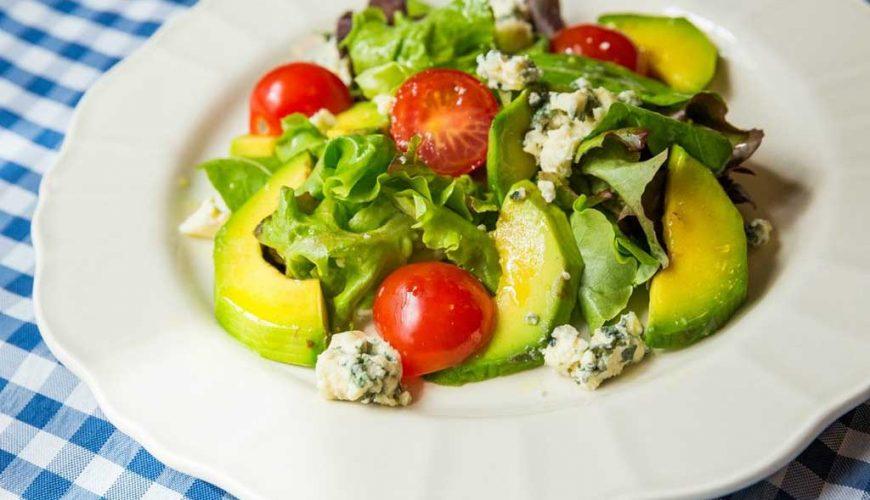 Salada Mista com Abacate e Gorgonzola